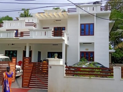 SEMI FURNISHED 4BHK HOUSE FOR SALE at Udayamperoor, Kochi