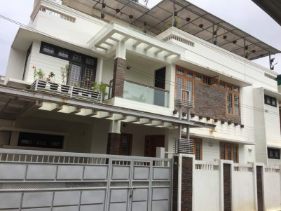 FURNISHED 4 BHK 2725 SQFT HOUSE IN 4 CENTS For Sale @ Kandanad, Kochi